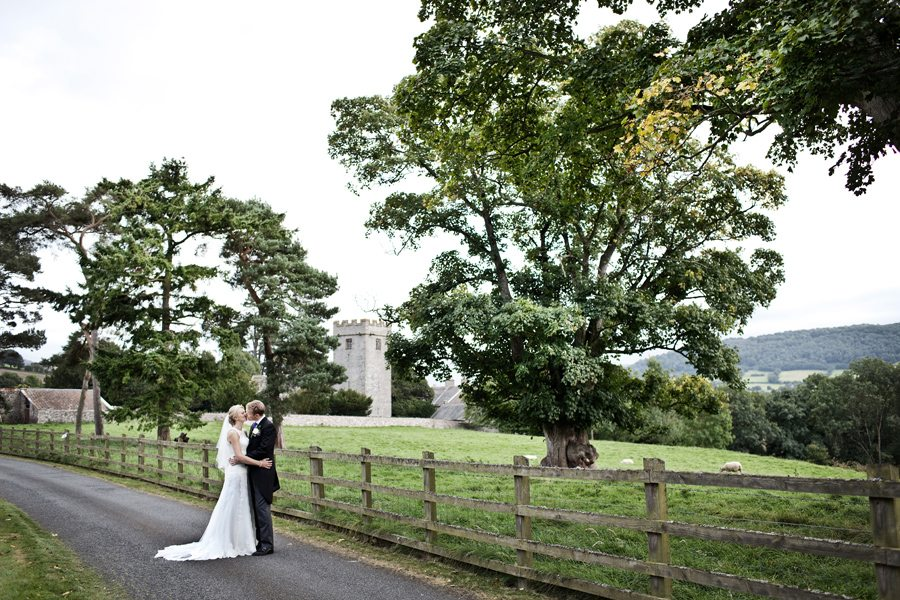 Nicola & Paul – Wedding Photographer at Peterstone Court, Wales