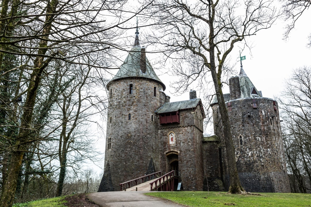 South Wales wedding ceremony at Castell Coch
