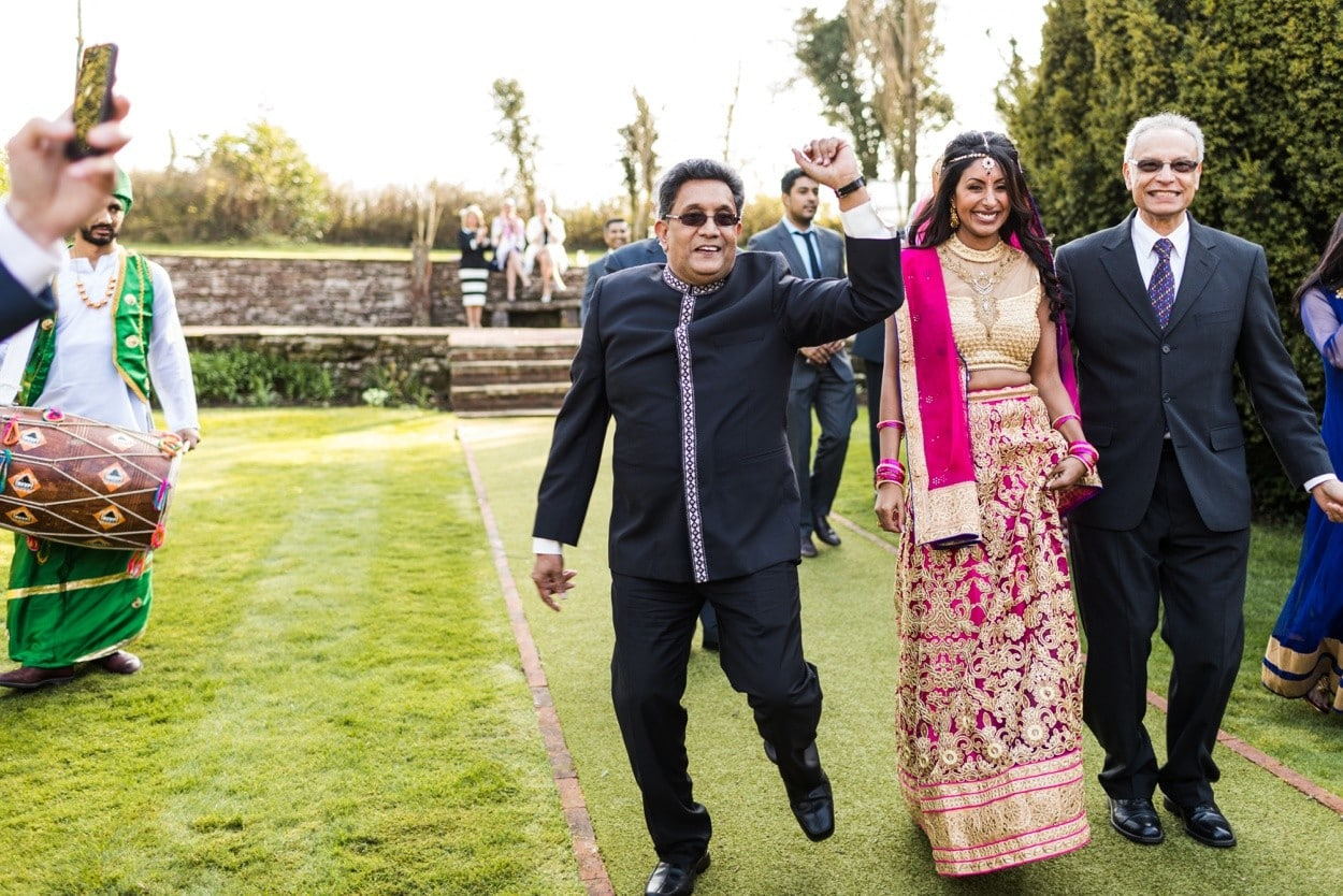hindu wedding ceremony at clearwell castle
