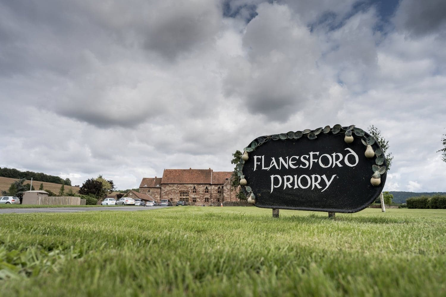 Herefordshire wedding venue Flanesford Priory