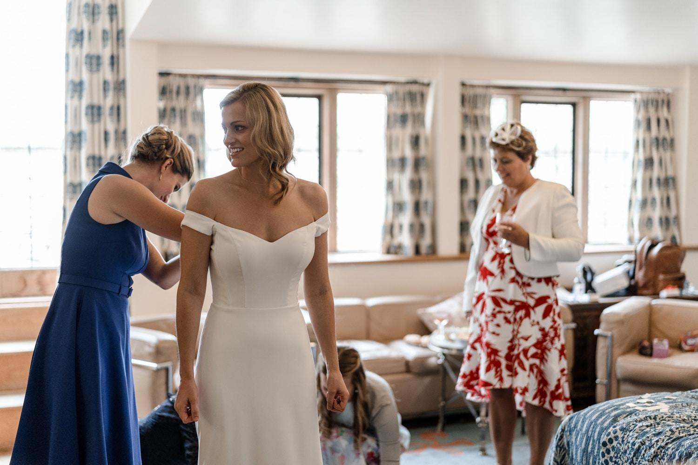 Bridal preps at Euridge Manor