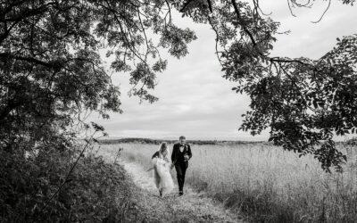 South Wales Wedding at Llandaff Cathedral – Sally & Charlie
