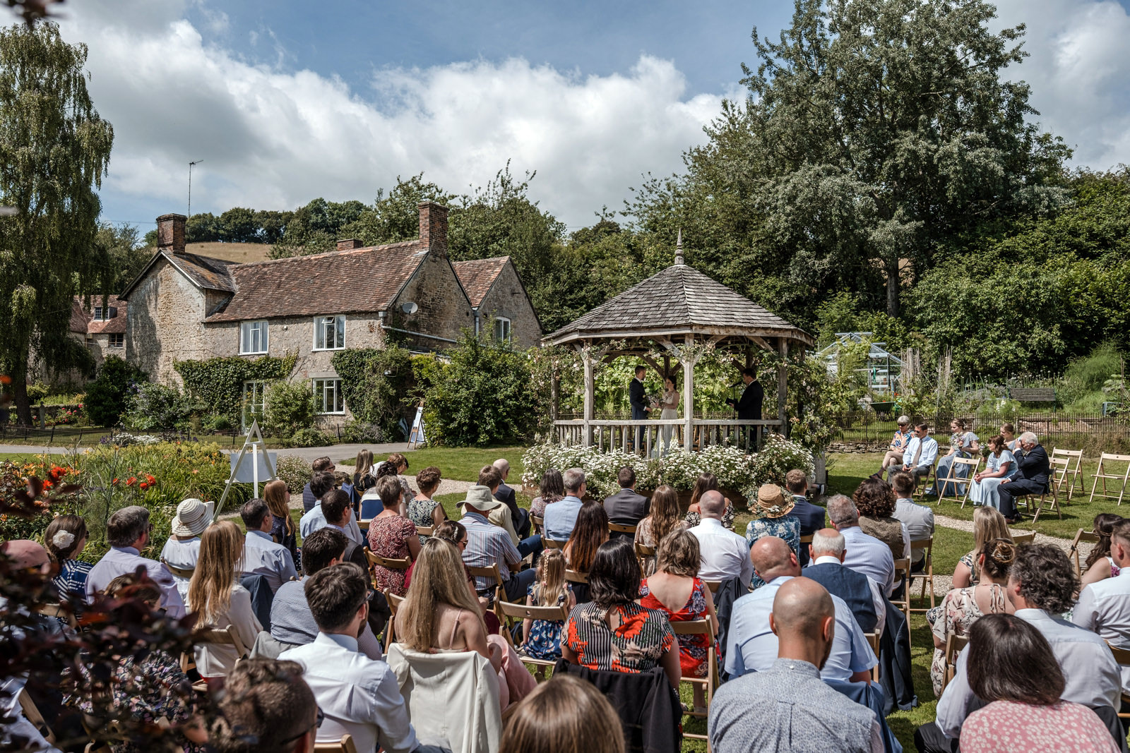 Outdoor marriage ceremony at Gants Mill
